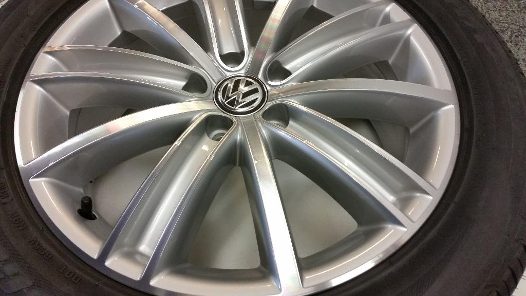 Velgen Set Volkswagen Tiguan 18inch New York Bridgestone Zomerbanden