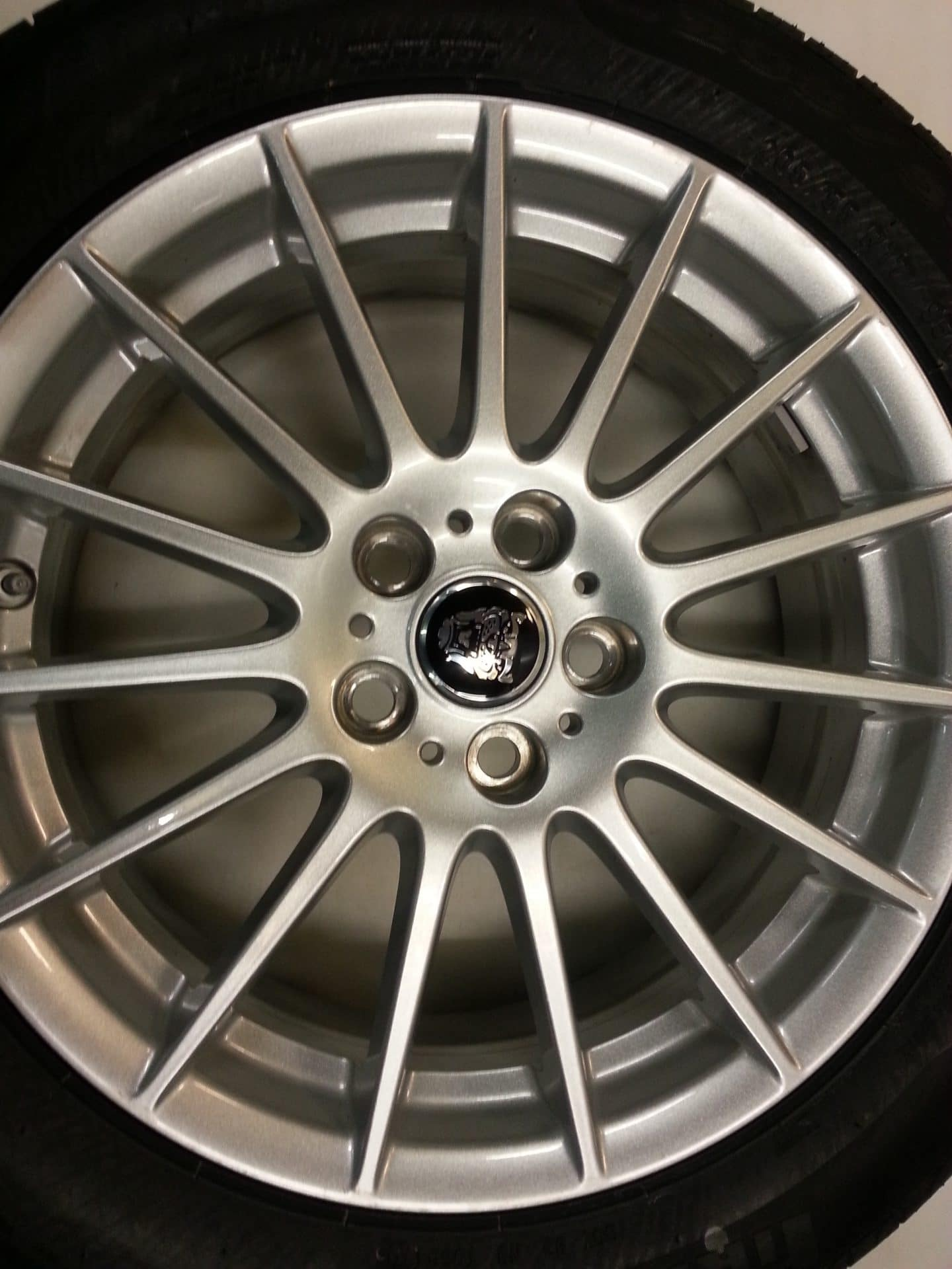 Velgen Jaguar Xe 17 Winterset Vredestein 225 50 17 Winter