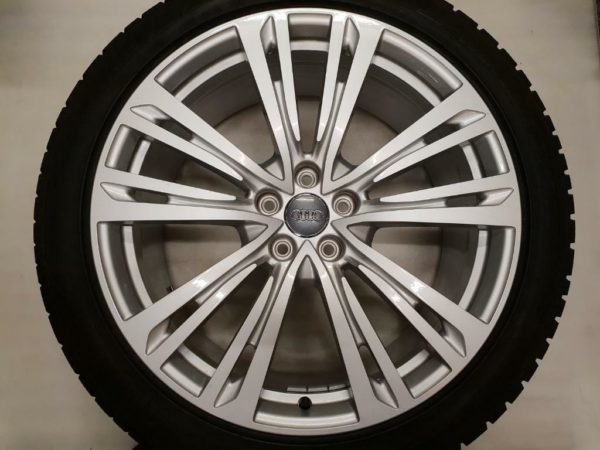 Velgen Audi A8 4N 9j20 + Dunlop 265 40 VR 20 104V Winter