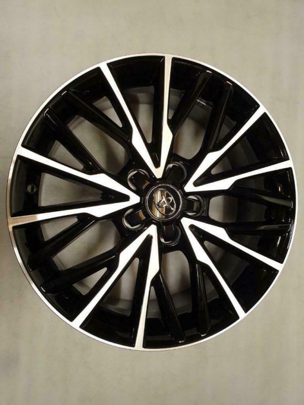 Velgen Toyota C-HR 7j18 5x114.3x60,1 ET50