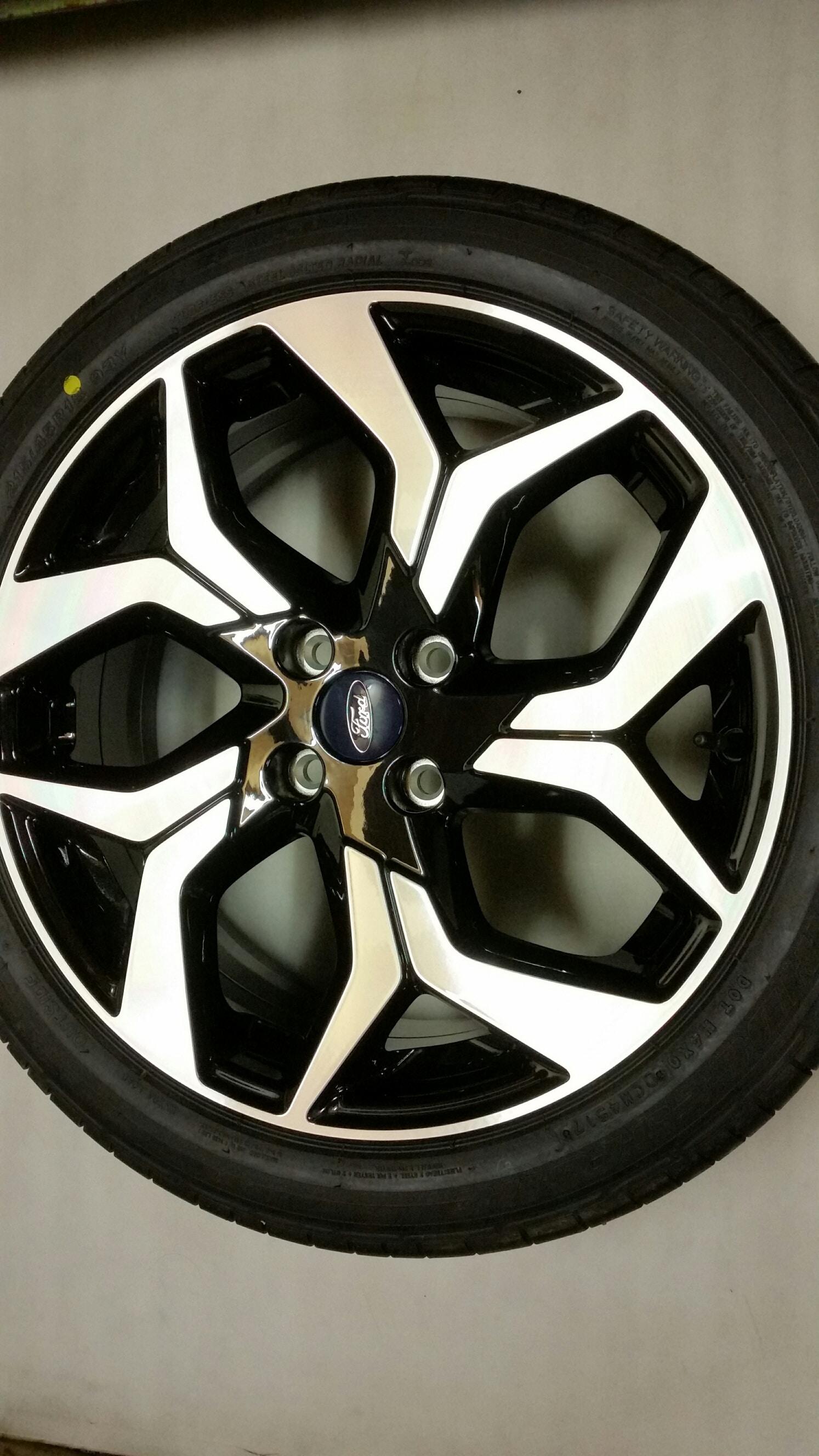 Originele Ford Ecosport Lichtmetalen Velgen 18 Inch Met Banden