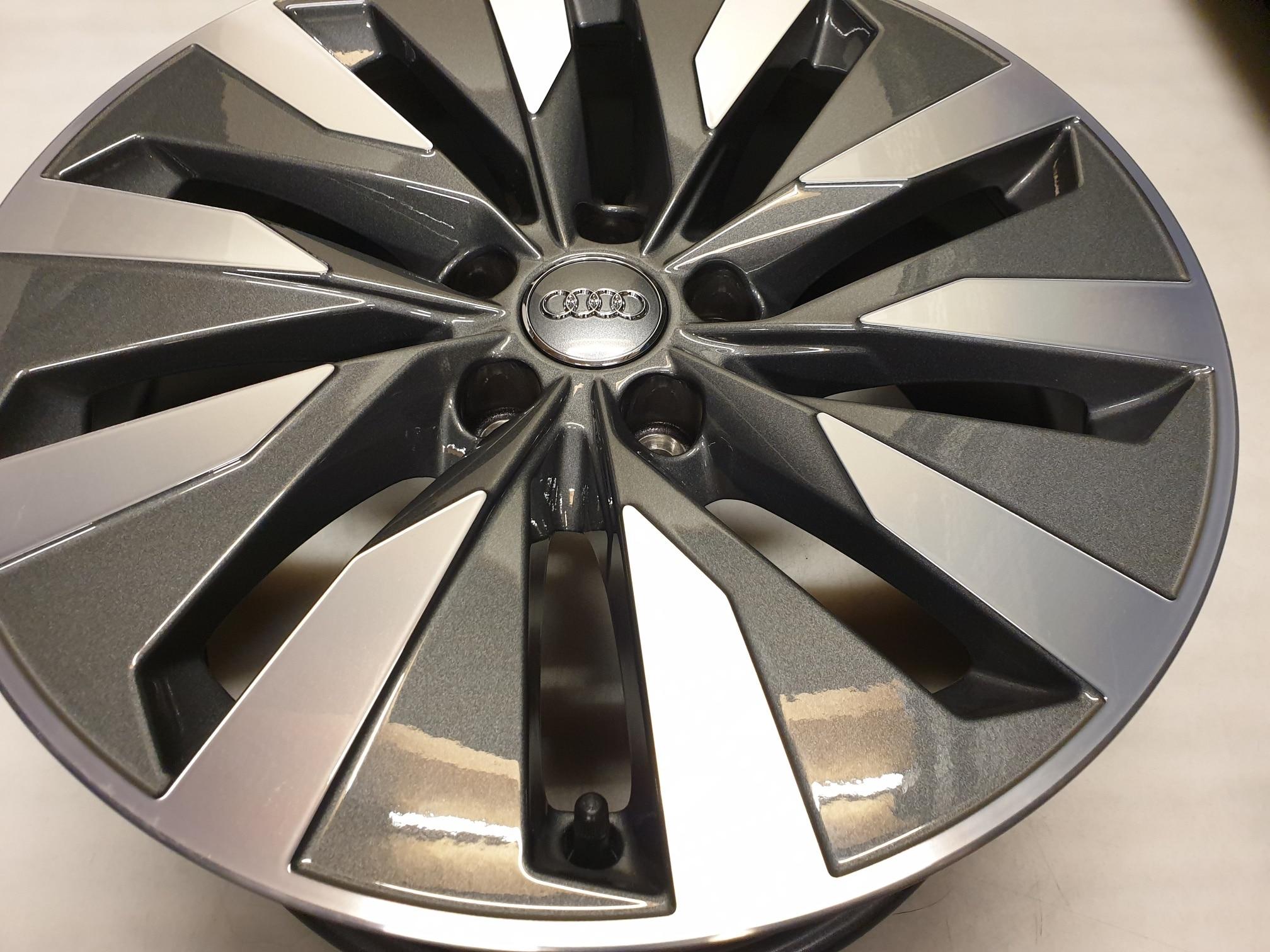 Originele Audi A6 4k Lichtmetalen Velgen 18 Inch 4k0601025b