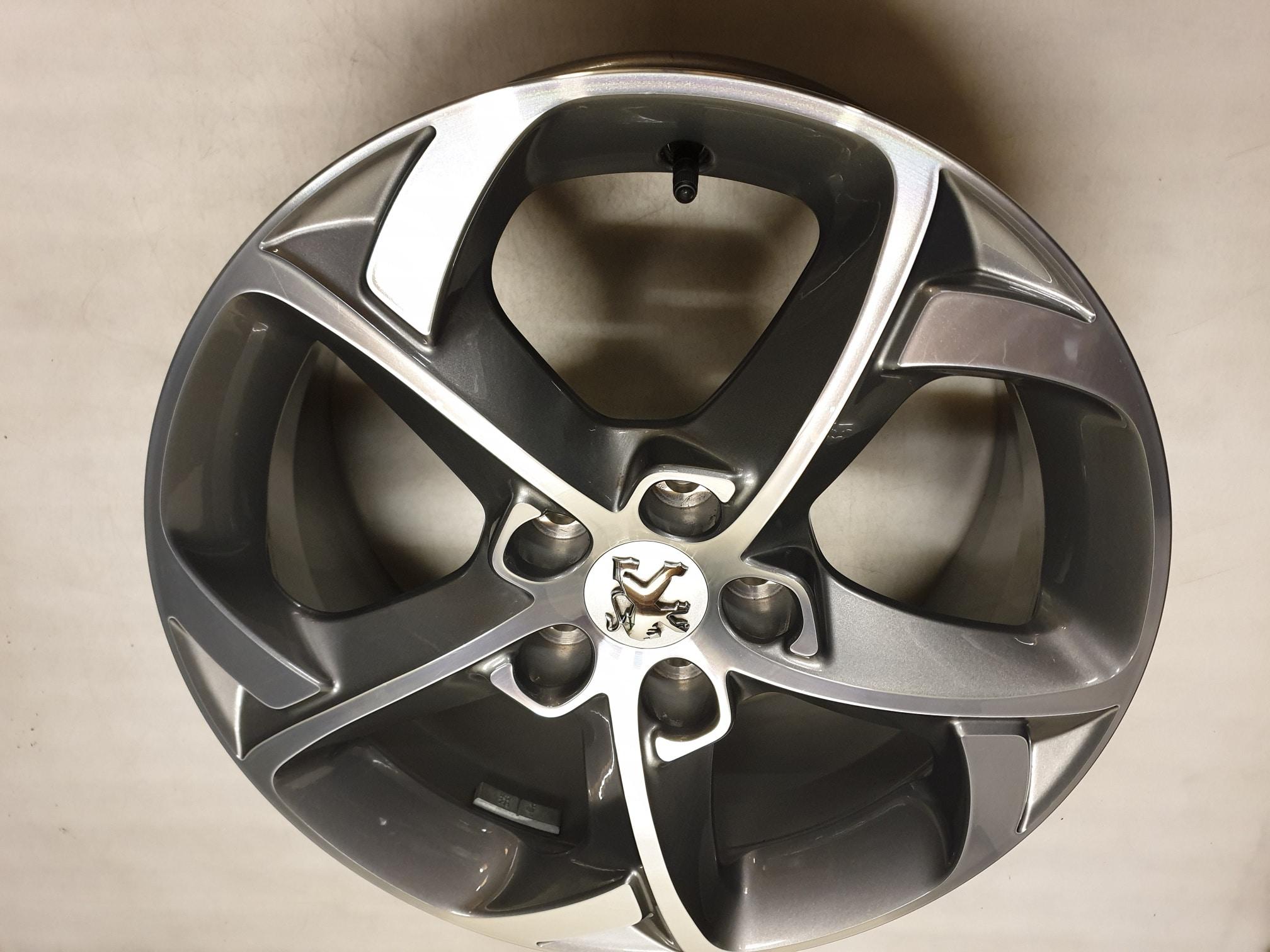 Originele Peugeot 508 Lichtmetalen Velgen 17 Inch 9671401677